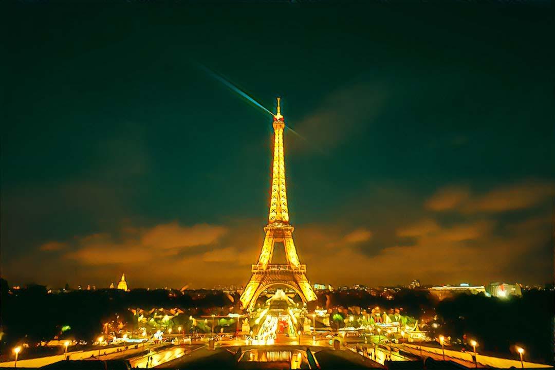 Weekend Flights to Paris