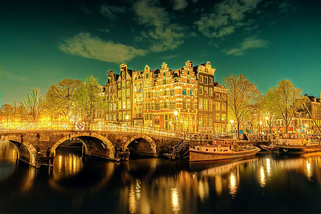 Weekend Flights to Amsterdam