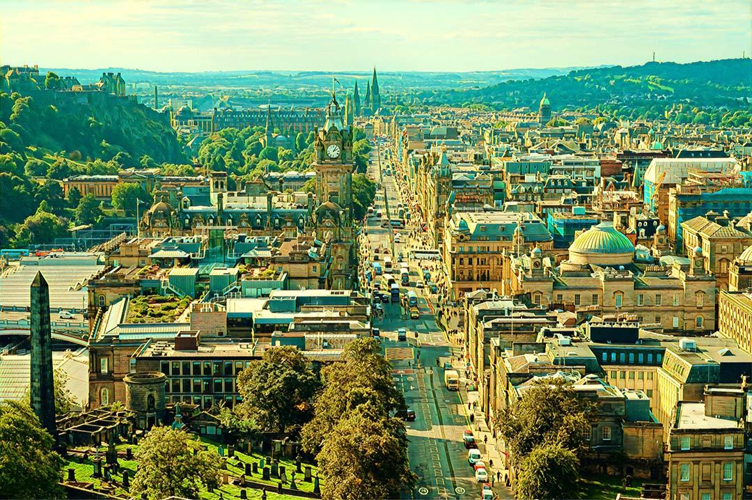 Weekend Flights to Edinburgh